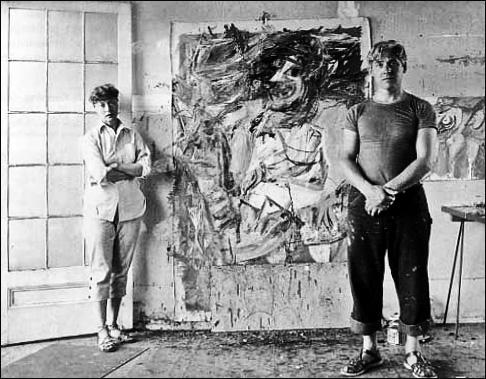Willem de Kooning con su mujer Elaine en su estudio en 1953