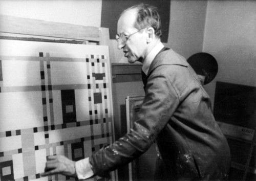 Mondrian en su estudio en 1943.