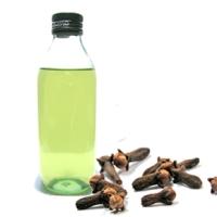 El aceite de clavos en pintura
