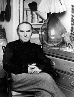 Janker Adler en su residencia de Londres, 1947